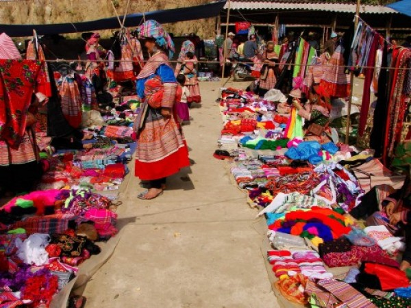 Sapa - Bac Ha market 2 days 3 nights