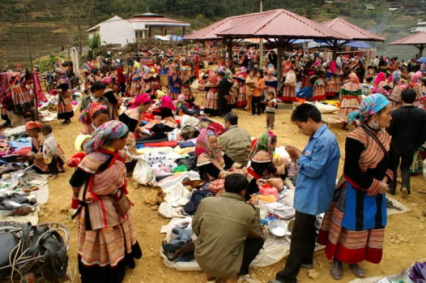 Sapa - Can Cau Market 2 days 3 nights