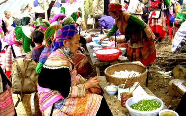 Can Cau - Bac Ha market 2 days 3 nights