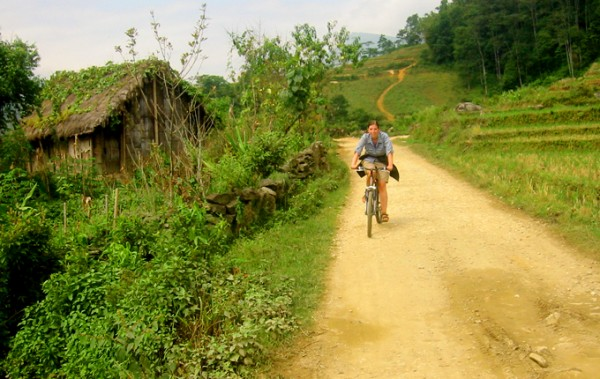 Biking & Trek Sapa tour 2 days 3 nights Hotel Stay