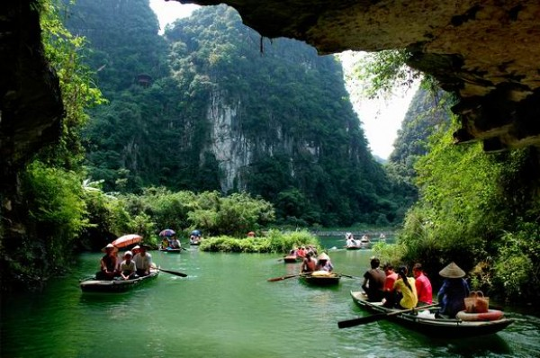 Hanoi - Halong Bay - Bai Dinh Pagoda & Trang An - 6D5N